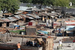 达累斯萨拉姆港口贫民窟在坦桑尼亚 库存照片