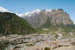 迁徙在尼泊尔,喜马拉雅山,安纳布尔纳峰保护地区 图库摄影