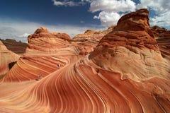 迁徙朱红色的峭壁 库存照片
