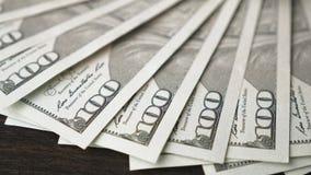 迅速移动一百元钞票 影视素材