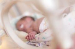 过早的新出生的女婴 免版税图库摄影
