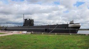 过时的潜水艇,作为一座纪念碑在Vytegra 库存照片