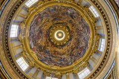 过去的教会圆顶大教堂圆顶的罗马意大利圣徒Agnese 免版税库存图片