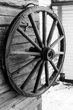 从过去的轮子 免版税库存照片