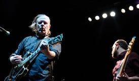 迈克尔Gira,天鹅的歌手和吉他弹奏者结合,执行在Sant霍尔迪俱乐部 免版税库存图片