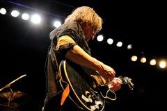 迈克尔Gira,天鹅的歌手和吉他弹奏者结合,执行在Sant霍尔迪俱乐部 免版税图库摄影