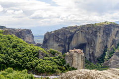 迈泰奥拉修道院,难以置信的砂岩岩层 库存照片