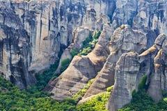 迈泰奥拉石灰石山在希腊 库存照片