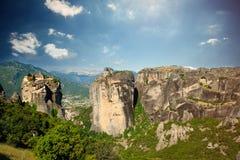 迈泰奥拉,希腊- 2016年6月03日:美丽的巨大的峭壁照片  图库摄影
