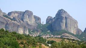 迈泰奥拉,希腊Kastraki和岩石  库存图片