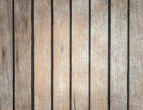 年迈的柚木树甲板 免版税库存照片