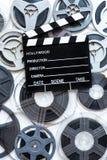 年迈的葡萄酒超级8 mm影片轴和拍板 免版税库存照片