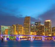 迈阿密在城市的佛罗里达美国、日落或者日出 免版税库存图片