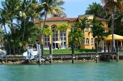 迈阿密小船星海岛游览豪宅  库存照片