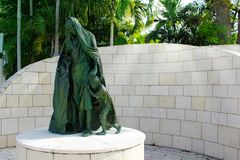 迈阿密海滩, FL,美国- 2014年1月10日:更加伟大的迈阿密犹太联盟的浩劫纪念品的雕象在迈阿密,美国 库存图片