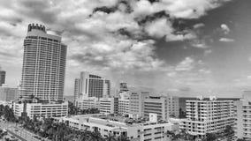 迈阿密海滩, FL - 2018年4月11日:迈阿密海滩空中地平线  库存图片