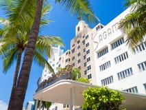 迈阿密海滩的著名艺术装饰旅馆 免版税库存照片
