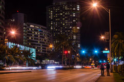 迈阿密海滩街道在晚上 免版税库存照片
