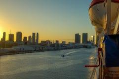 从迈阿密的巡航向巴哈马 免版税图库摄影