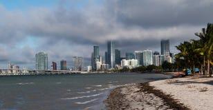 迈阿密看法从比斯坎湾的 库存照片