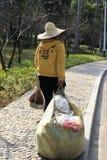 运作在公园的擦净剂 库存图片