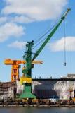 起重机在造船厂 免版税图库摄影