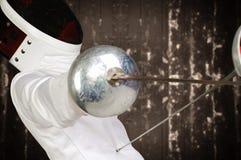 运动员击剑者 免版税库存图片