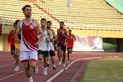 运动员竞争互相反对在奎德e Azam省际的比赛 免版税库存照片