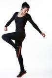 做有氧运动的健身妇女 免版税库存照片