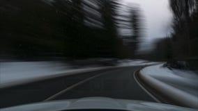 运动的时间间隔在汽车的在路通过国家公园哈茨山在冬天 下萨克森州 德国 股票视频