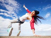 运动的美丽的舞女 免版税图库摄影