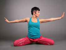 运动装女子瑜伽 库存照片