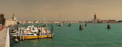 运河全部威尼斯式 免版税库存照片