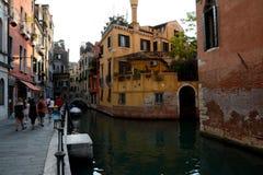 运河和大厦在威尼斯,意大利 免版税库存照片