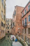 运河和大厦在威尼斯 库存照片