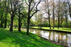 运河在布鲁基,比利时 免版税库存照片