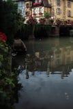 水运河在科尔马 免版税库存照片