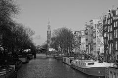 运河在阿姆斯特丹,荷兰(2015 12月) 库存图片