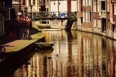 运河在阿姆斯特丹,荷兰 免版税库存照片