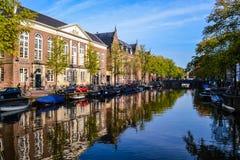 运河在阿姆斯特丹 免版税库存照片
