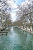 运河在阿讷西,法国 HDR 库存图片