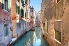 运河安置意大利小的威尼斯 免版税库存照片