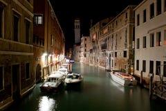 运河晚上场面威尼斯 免版税库存照片