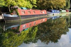 运河船在英国 图库摄影