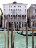 运河重创的威尼斯 免版税库存照片