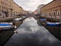 运河重创的里雅斯特 图库摄影