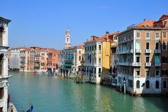 运河重创的venezia 免版税库存照片