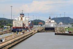 运河锁定巴拿马行动 免版税库存照片