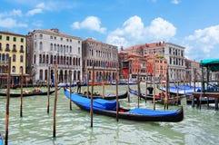 运河长平底船全部意大利威尼斯 免版税图库摄影