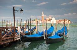 运河长平底船全部意大利威尼斯 库存照片